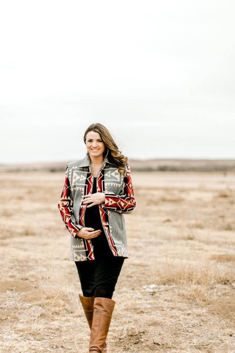lauren-pendleton-ranch-maternity-shoot-6.jpg