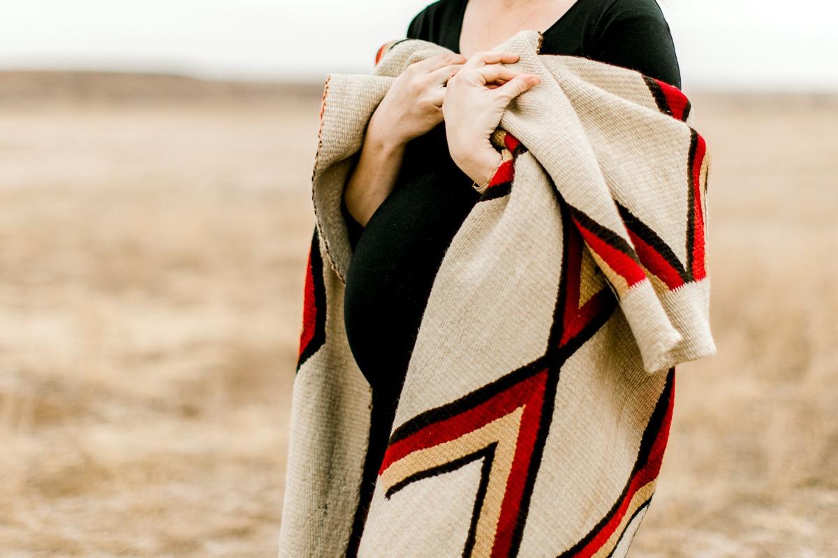 lauren-pendleton-ranch-maternity-shoot-9.jpg