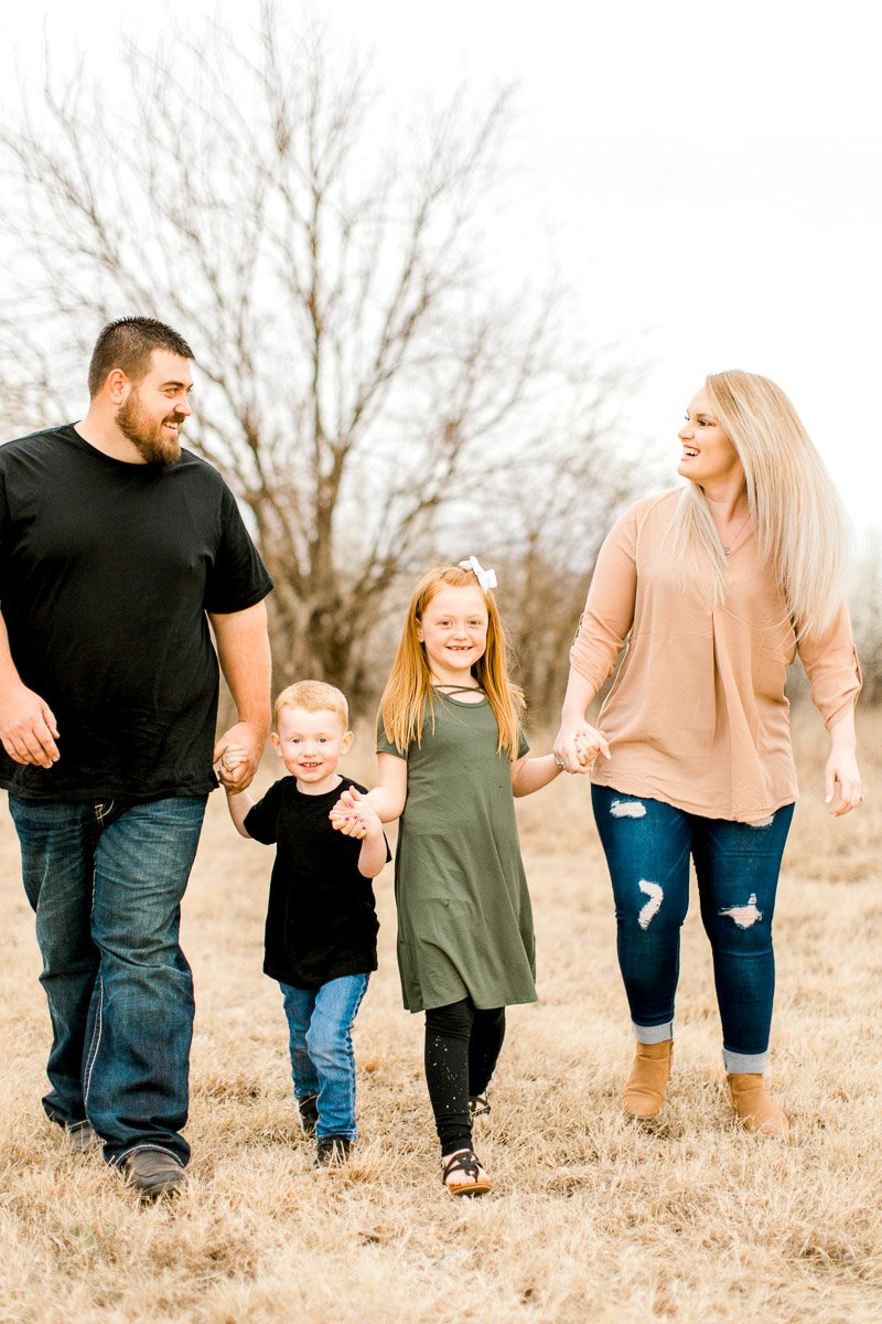 Edmond-Oklahoma-Family-Photographer-Spring-Family-Photos-4.jpg