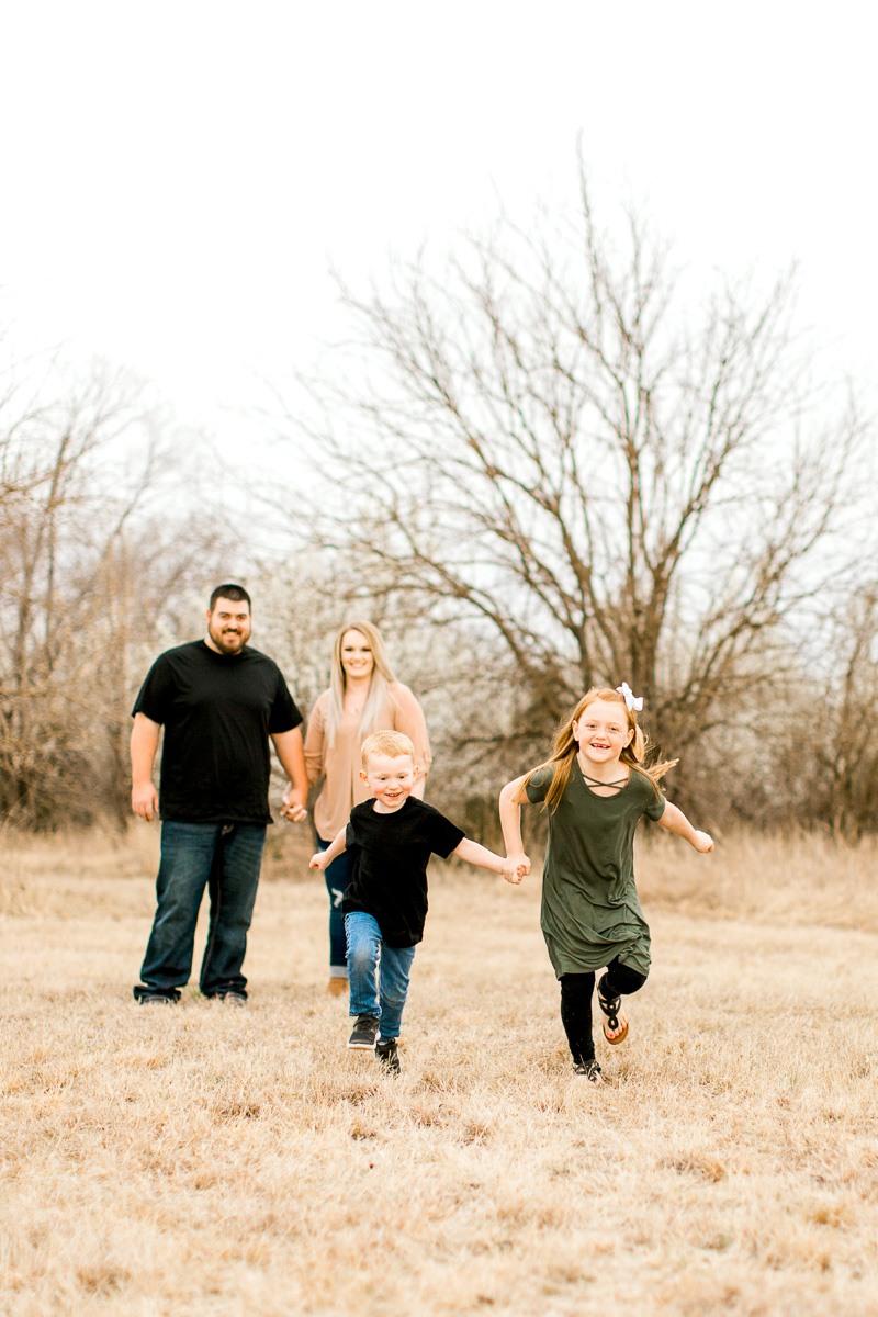 Edmond-Oklahoma-Family-Photographer-Spring-Family-Photos-5.jpg