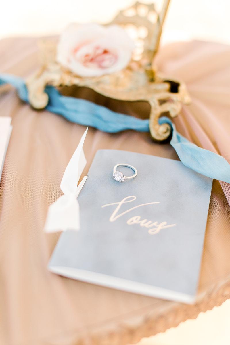 white-sparrow-barn-dallas-wedding-photographer-kaitlyn-bullard-the-big-and-bright-17.jpg