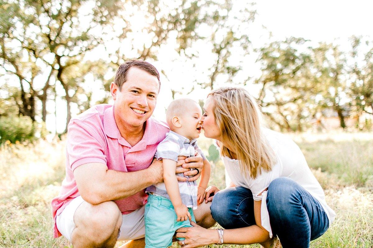austin-family-photographer-kaitlyn-bullard-burnet-family-photos-12.jpg