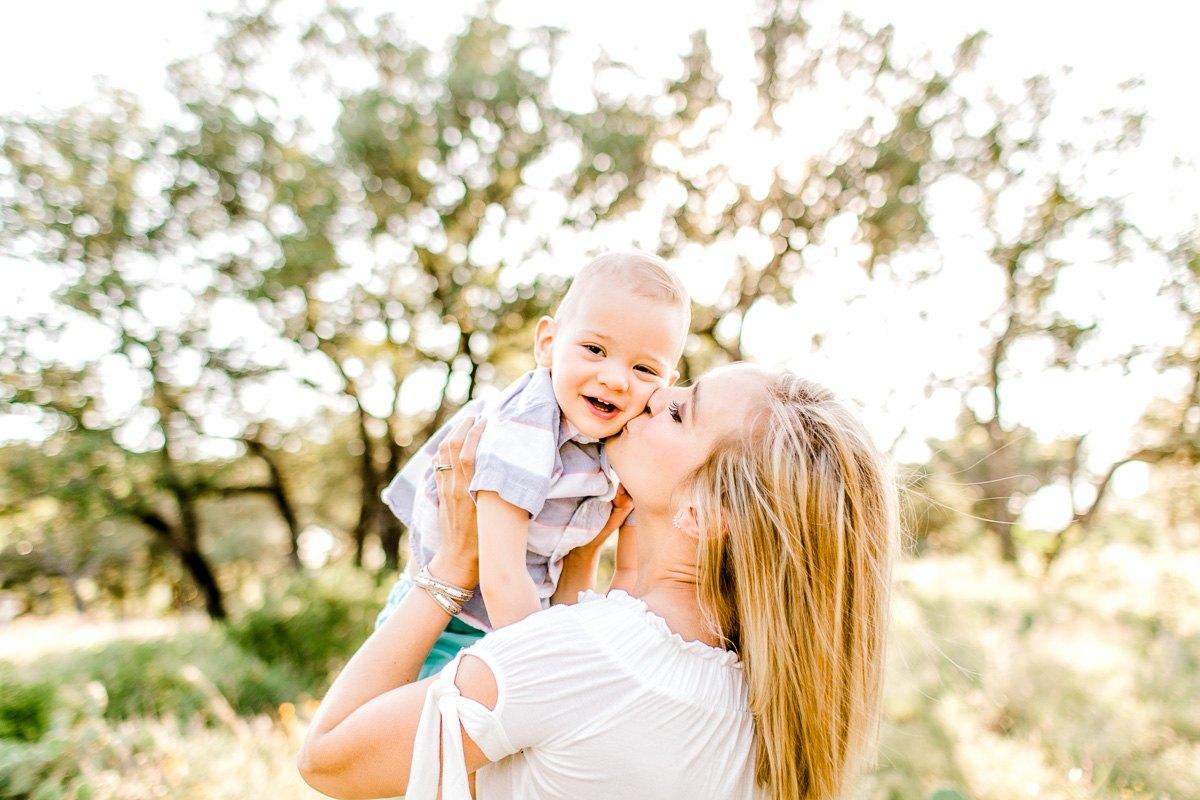 austin-family-photographer-kaitlyn-bullard-burnet-family-photos-14.jpg