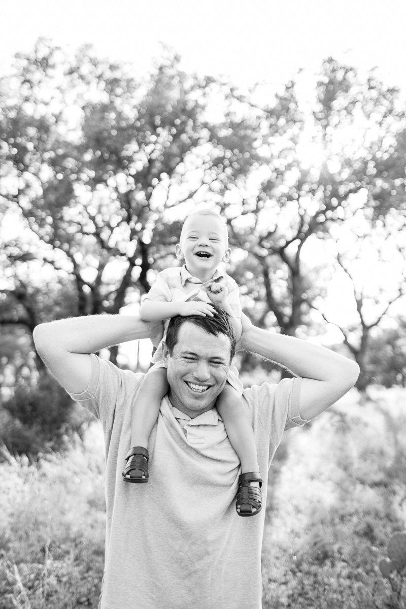 austin-family-photographer-kaitlyn-bullard-burnet-family-photos-22.jpg