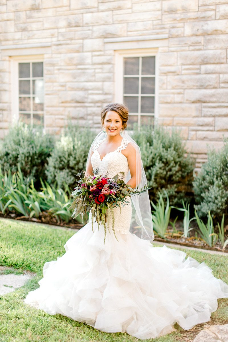 dallas-wedding-photographer-kaitlyn-bullard-mckenzi-bridal-4.jpg