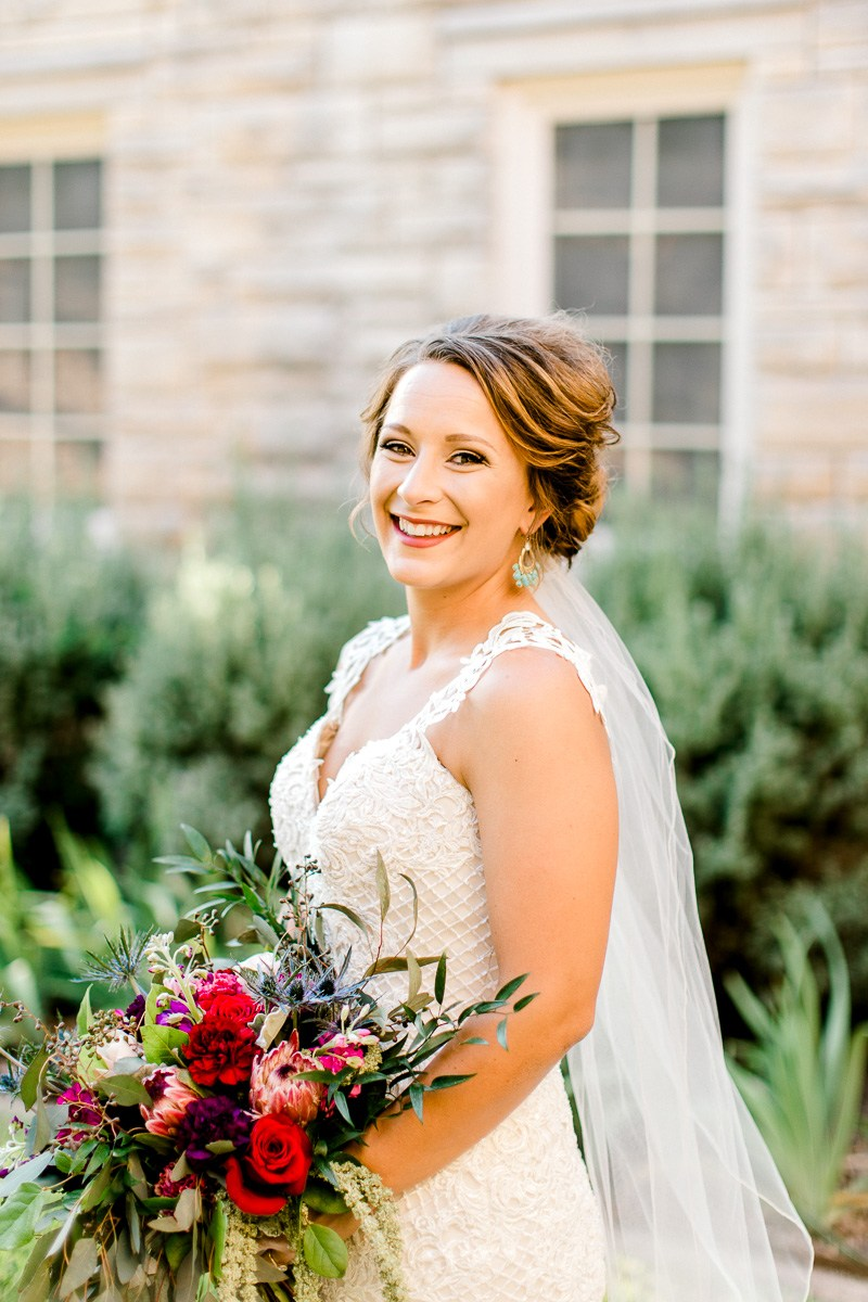 dallas-wedding-photographer-kaitlyn-bullard-mckenzi-bridal-8.jpg