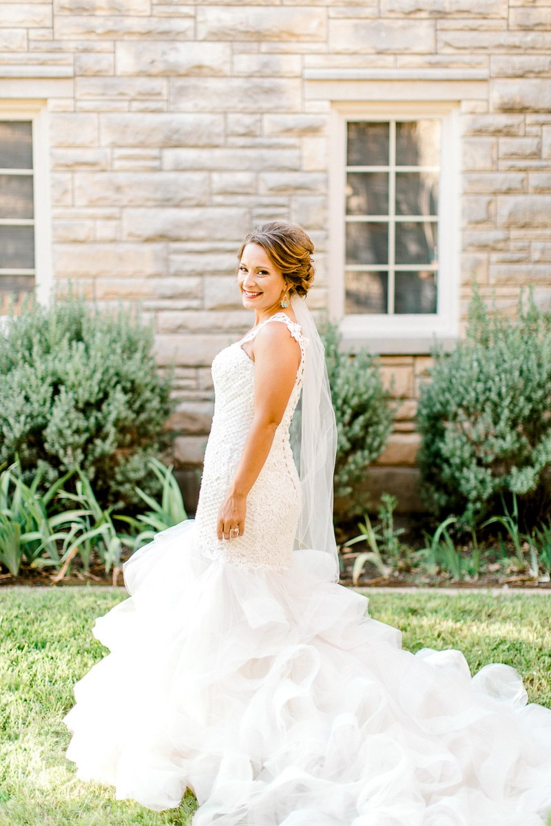 dallas-wedding-photographer-kaitlyn-bullard-mckenzi-bridal-16.jpg