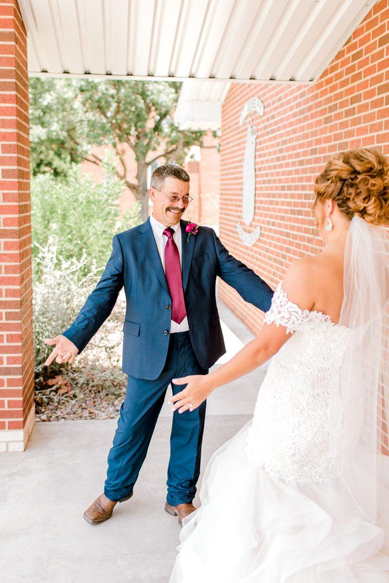 mckenzi-evan-san-angelo-texas-wedding-photographer-kaitlyn-bullard-17.jpg