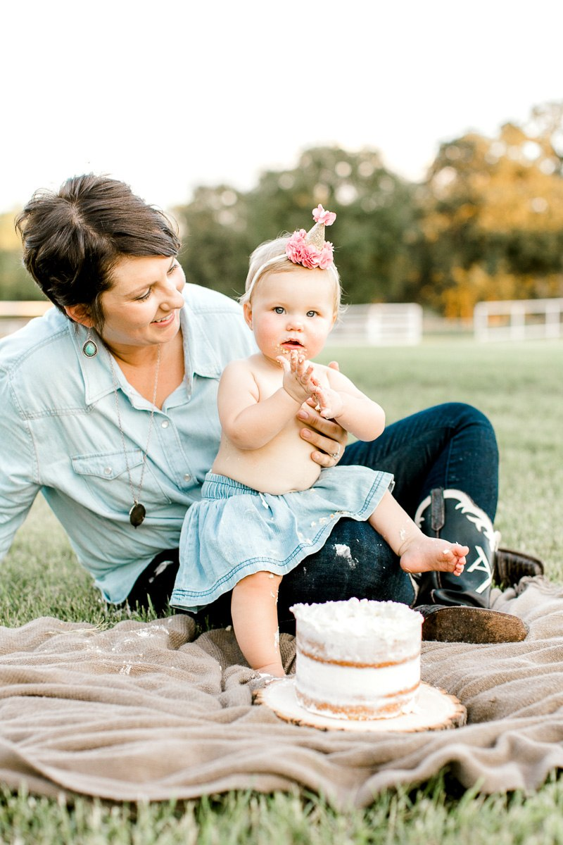 josie-one-year-dallas-family-photographer-kaitlyn-bullard-33.jpg