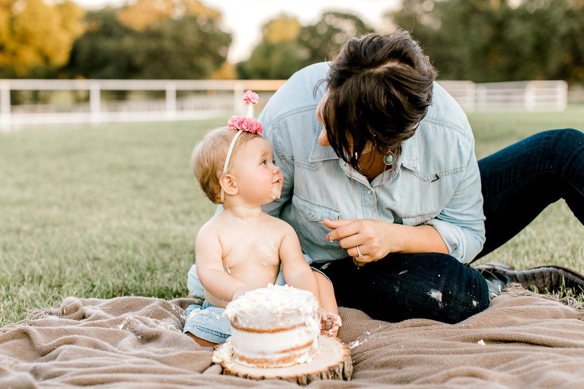 josie-one-year-dallas-family-photographer-kaitlyn-bullard-36.jpg