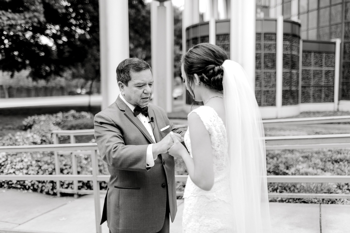nylo-las-colinas-wedding-bety-luis-dallas-wedding-photographer-kaitlyn-bullard-6.jpg