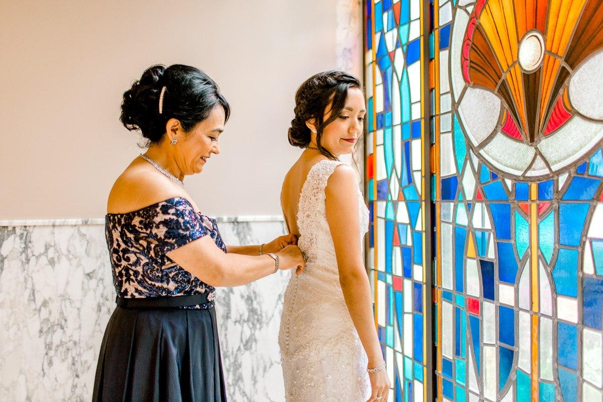 nylo-las-colinas-wedding-bety-luis-dallas-wedding-photographer-kaitlyn-bullard-12.jpg