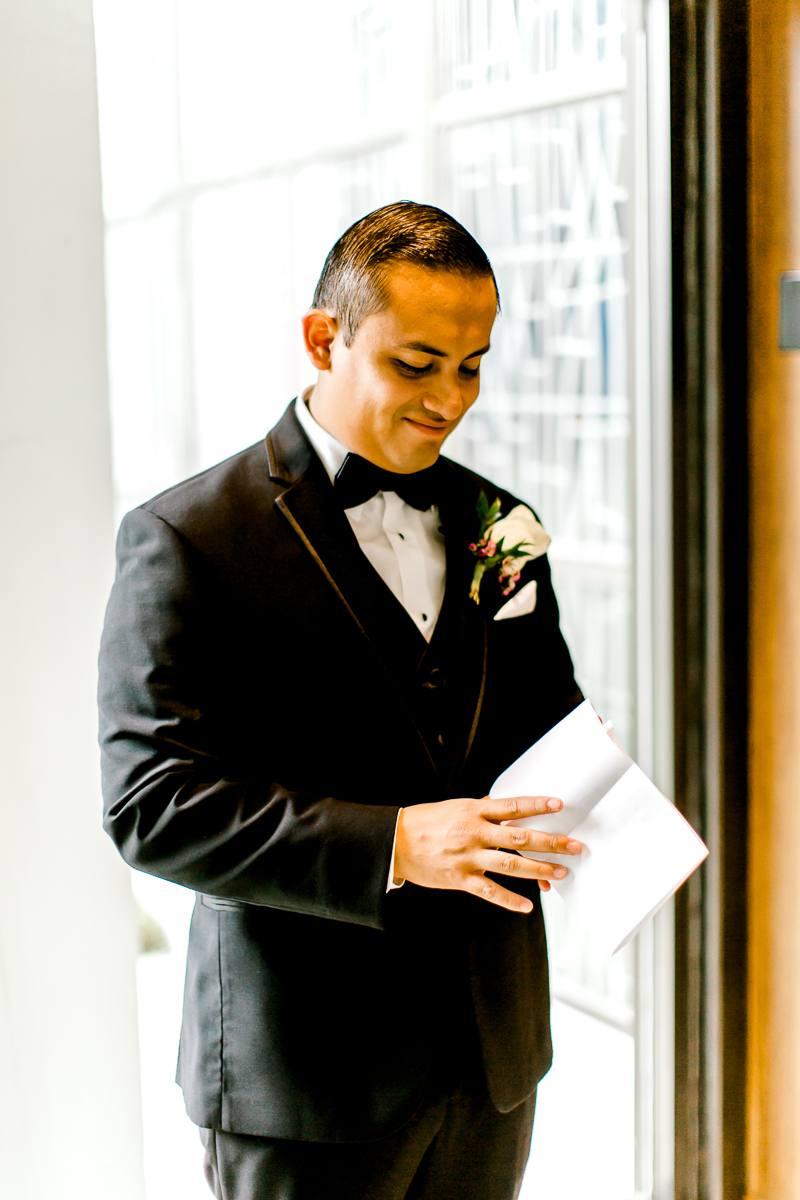 nylo-las-colinas-wedding-bety-luis-dallas-wedding-photographer-kaitlyn-bullard-17.jpg