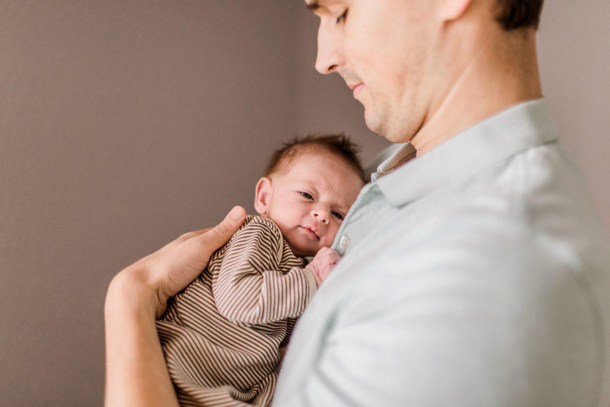 plano-newborn-photographer-lifestyle-newborn-kaitlyn-bullard-12.jpg
