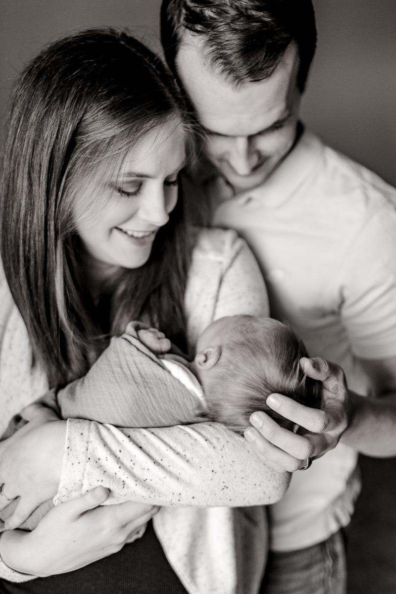 plano-newborn-photographer-lifestyle-newborn-kaitlyn-bullard-14.jpg