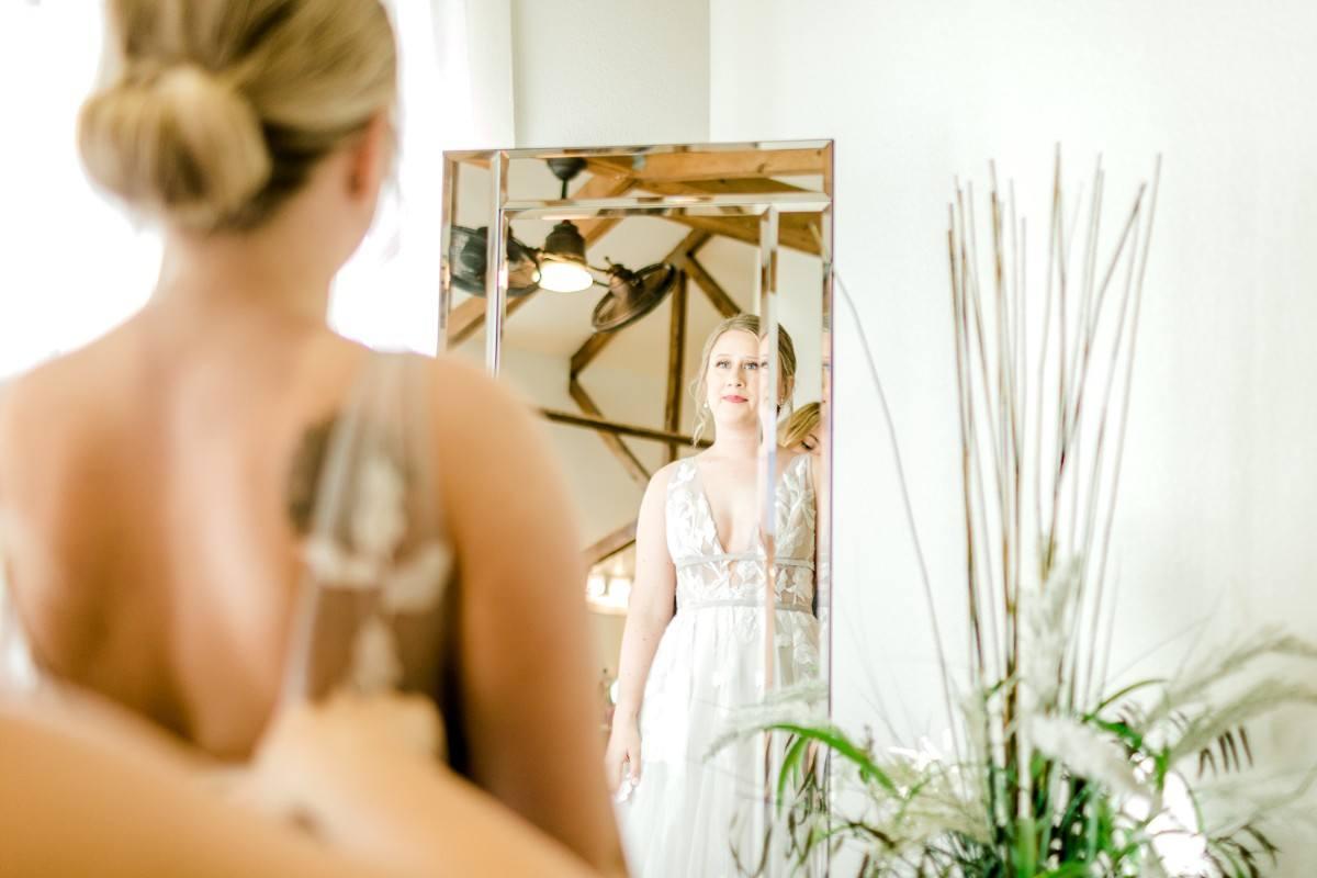 ennis-texas-wedding-photographer-kaitlyn-bullard-16.jpg