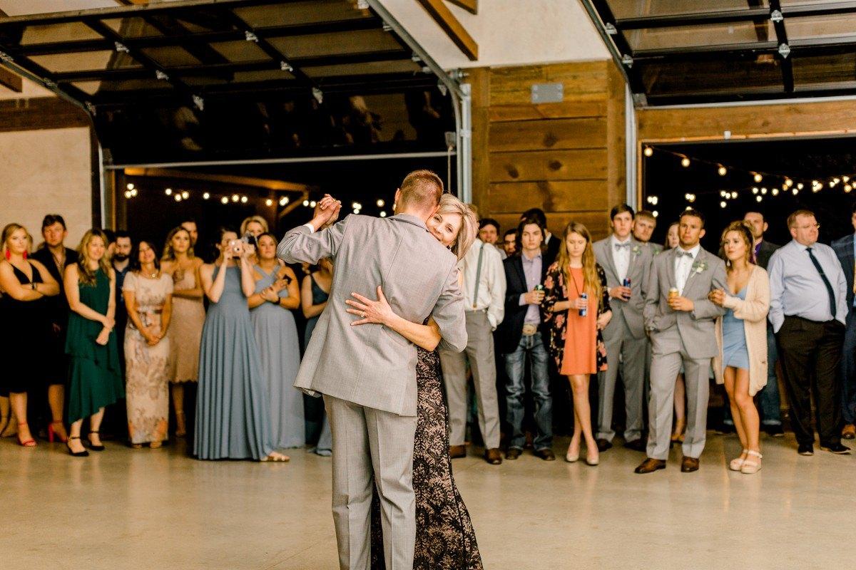ennis-texas-wedding-photographer-kaitlyn-bullard-124.jpg