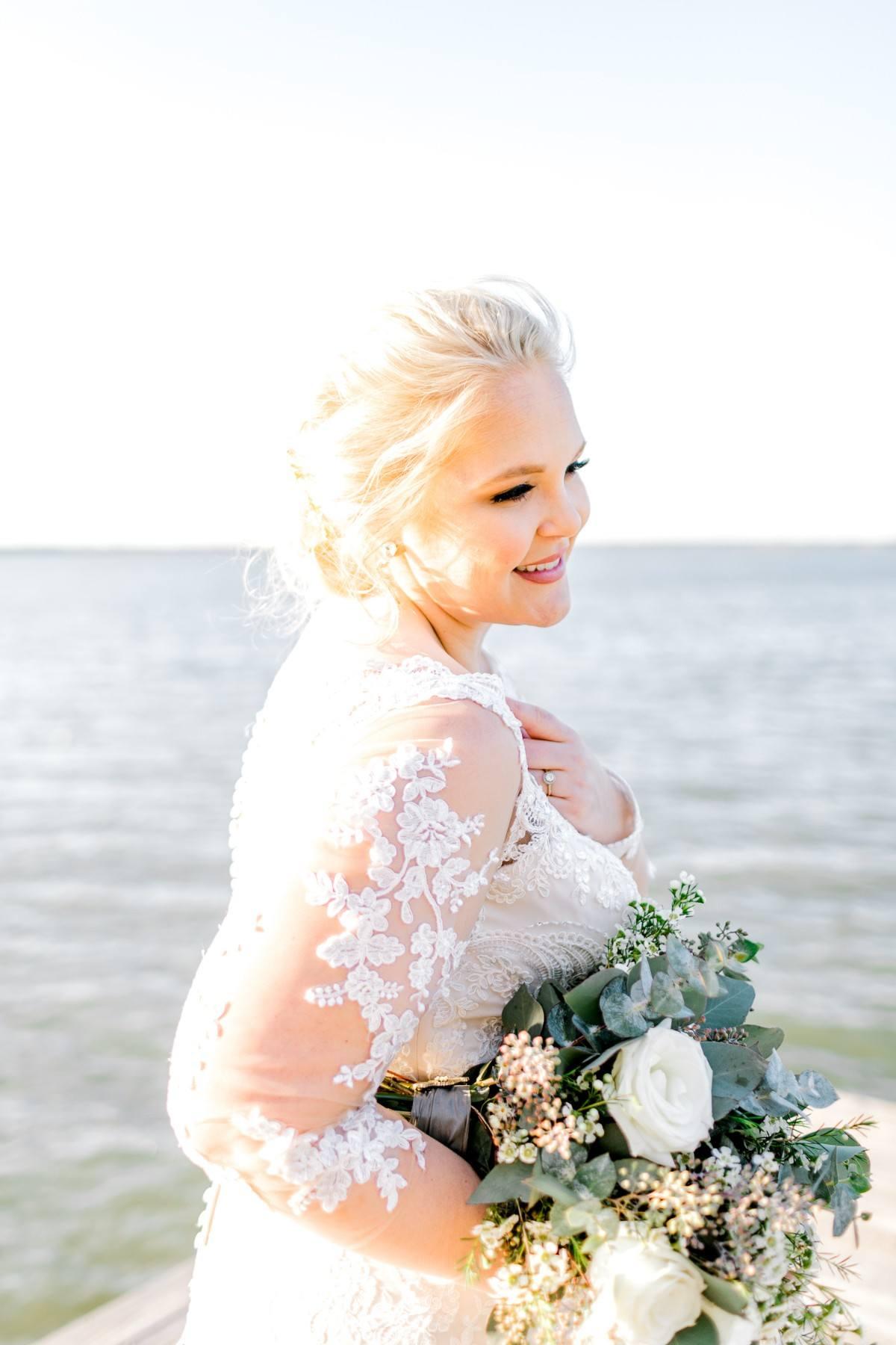 casidy-bridals-tradinghouse-lake-waco-wedding-photographer-kaitlyn-bullard-14.jpg