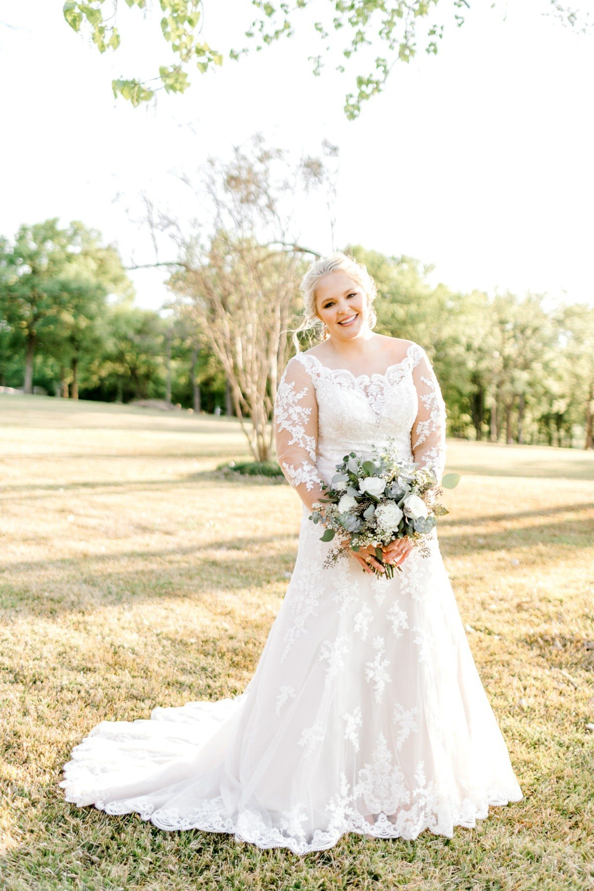 casidy-bridals-tradinghouse-lake-waco-wedding-photographer-kaitlyn-bullard-11.jpg