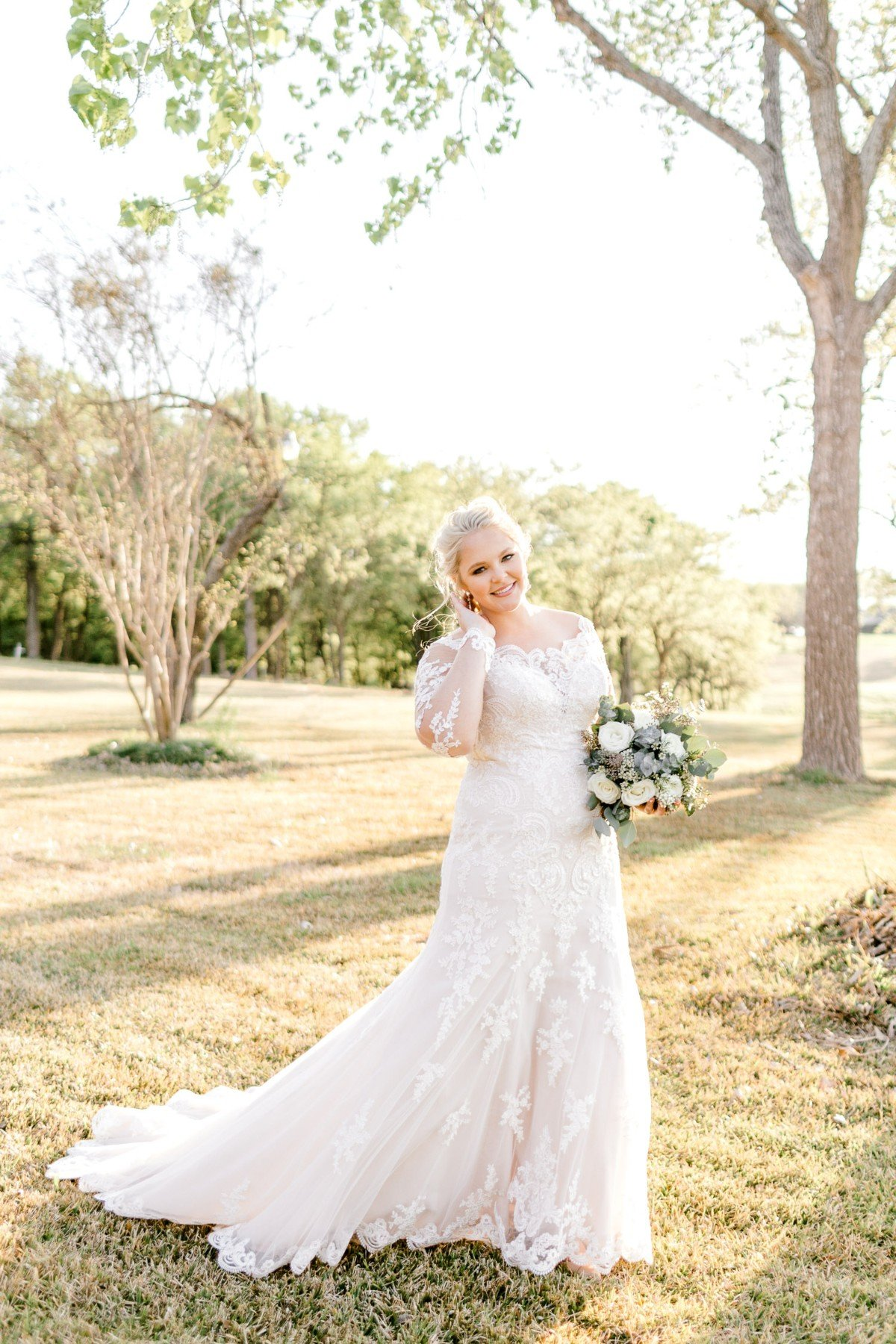 casidy-bridals-tradinghouse-lake-waco-wedding-photographer-kaitlyn-bullard-09.jpg