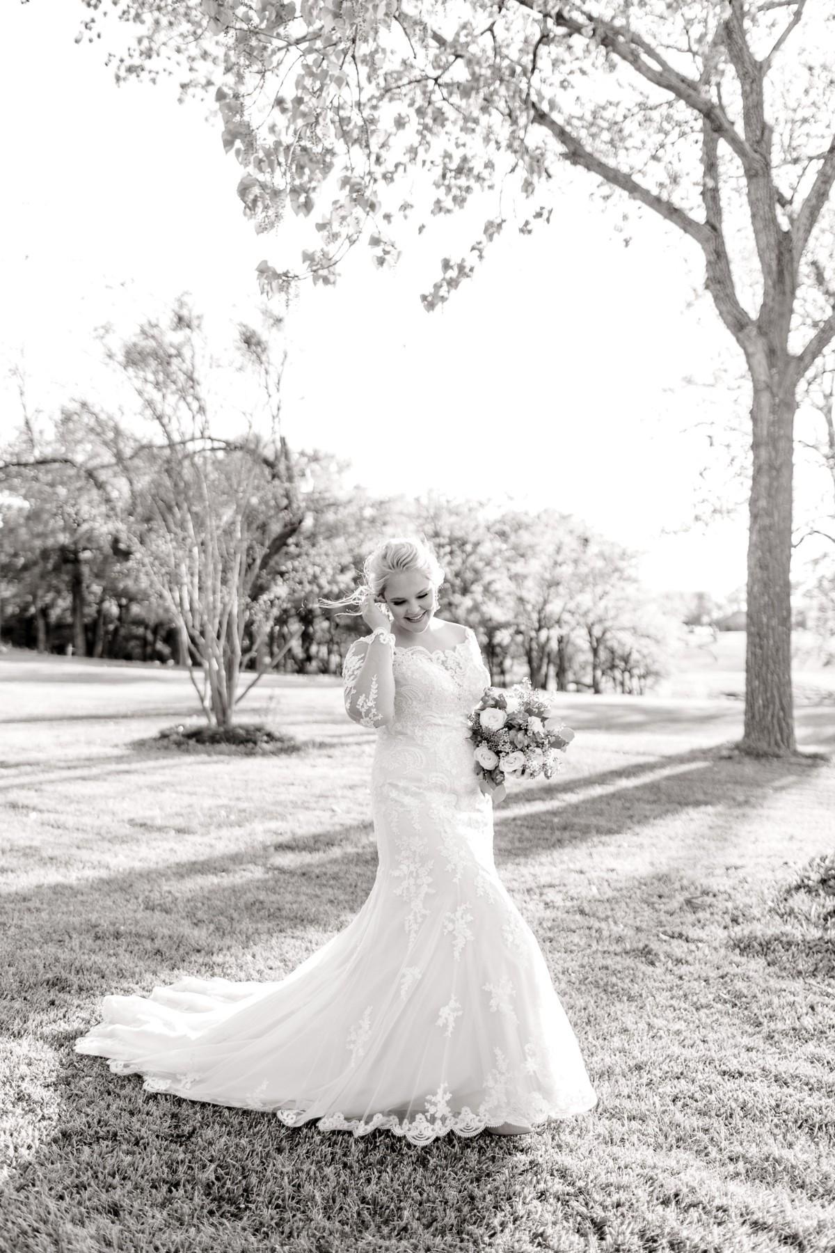 casidy-bridals-tradinghouse-lake-waco-wedding-photographer-kaitlyn-bullard-08.jpg