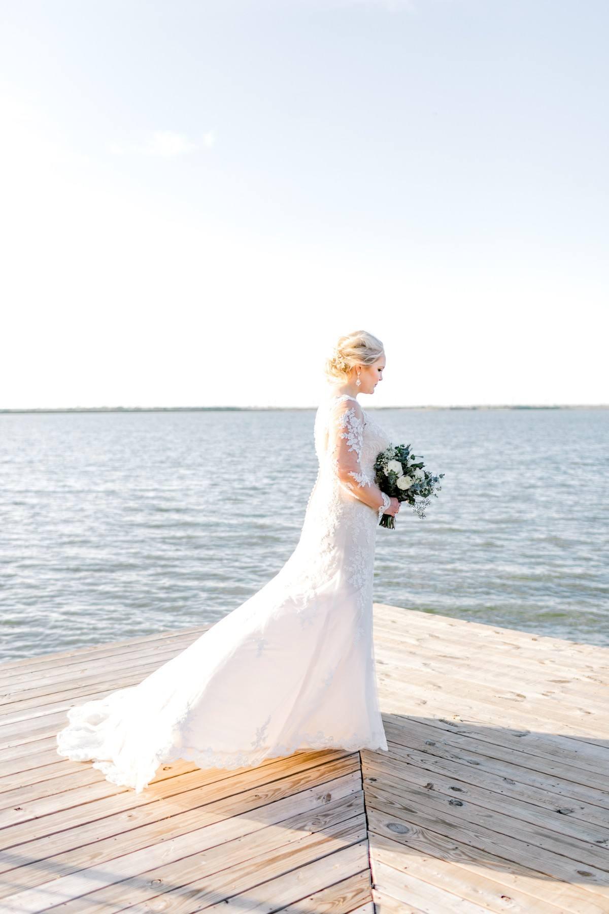 casidy-bridals-tradinghouse-lake-waco-wedding-photographer-kaitlyn-bullard-20.jpg
