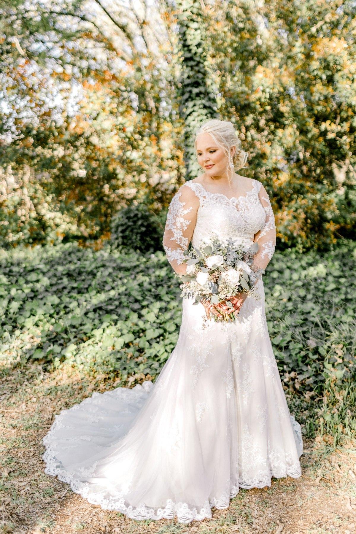casidy-bridals-tradinghouse-lake-waco-wedding-photographer-kaitlyn-bullard-02.jpg