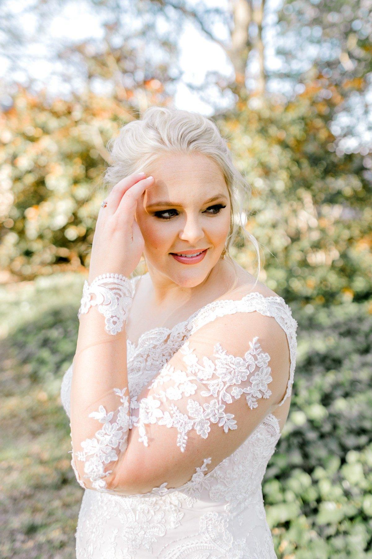 casidy-bridals-tradinghouse-lake-waco-wedding-photographer-kaitlyn-bullard-03.jpg