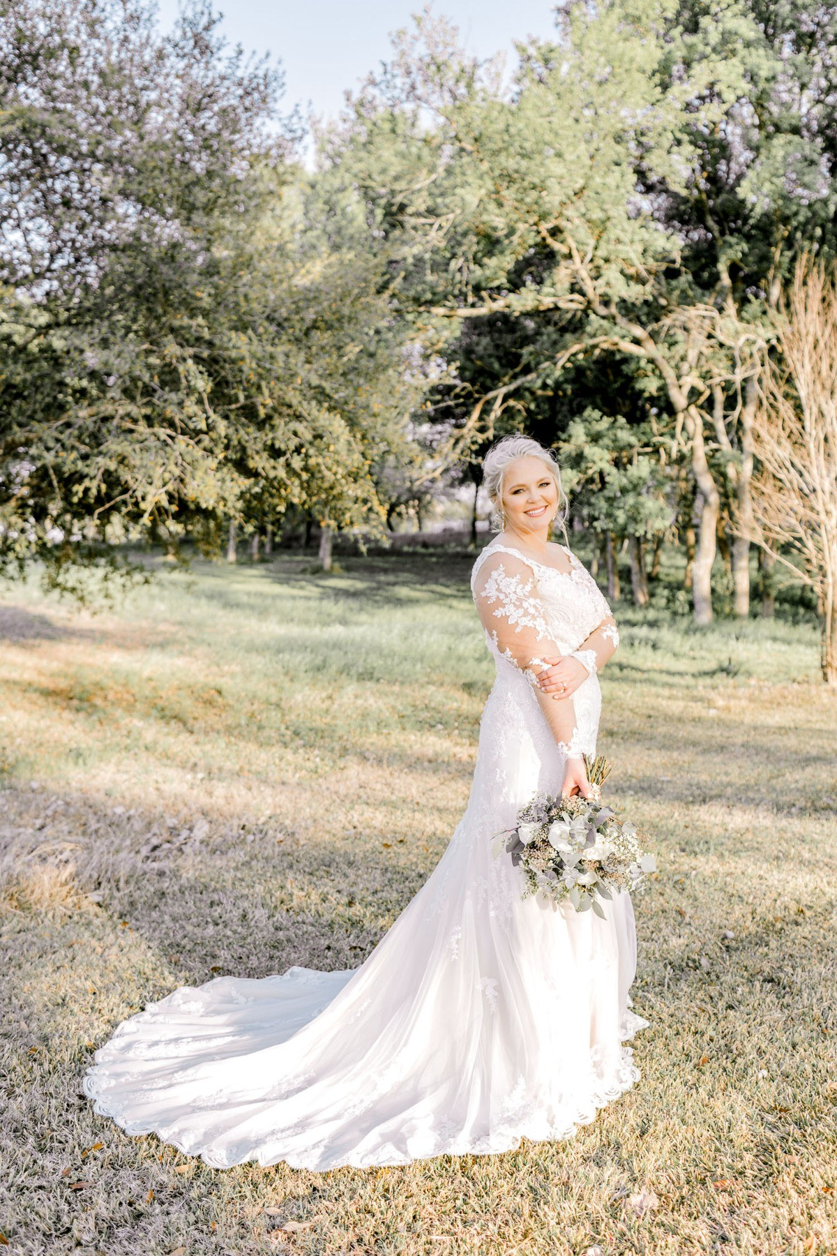 casidy-bridals-tradinghouse-lake-waco-wedding-photographer-kaitlyn-bullard-06.jpg