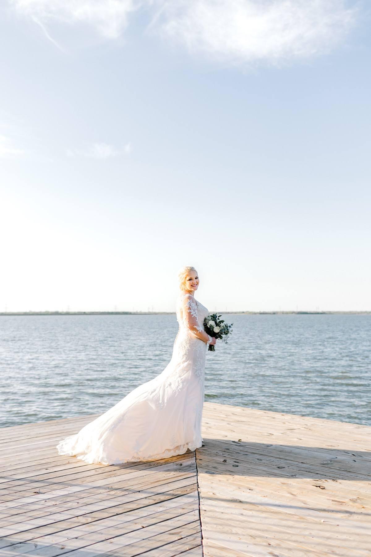 casidy-bridals-tradinghouse-lake-waco-wedding-photographer-kaitlyn-bullard-16.jpg