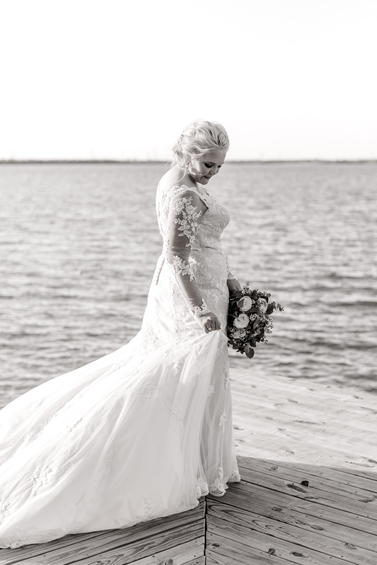 casidy-bridals-tradinghouse-lake-waco-wedding-photographer-kaitlyn-bullard-17.jpg