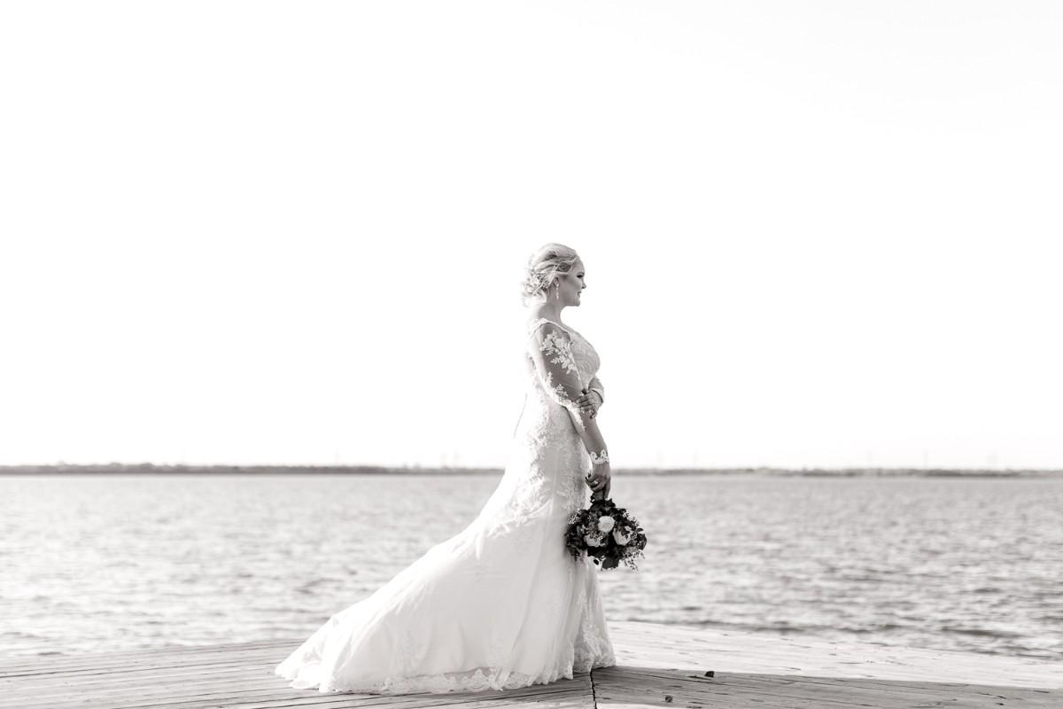 casidy-bridals-tradinghouse-lake-waco-wedding-photographer-kaitlyn-bullard-19.jpg
