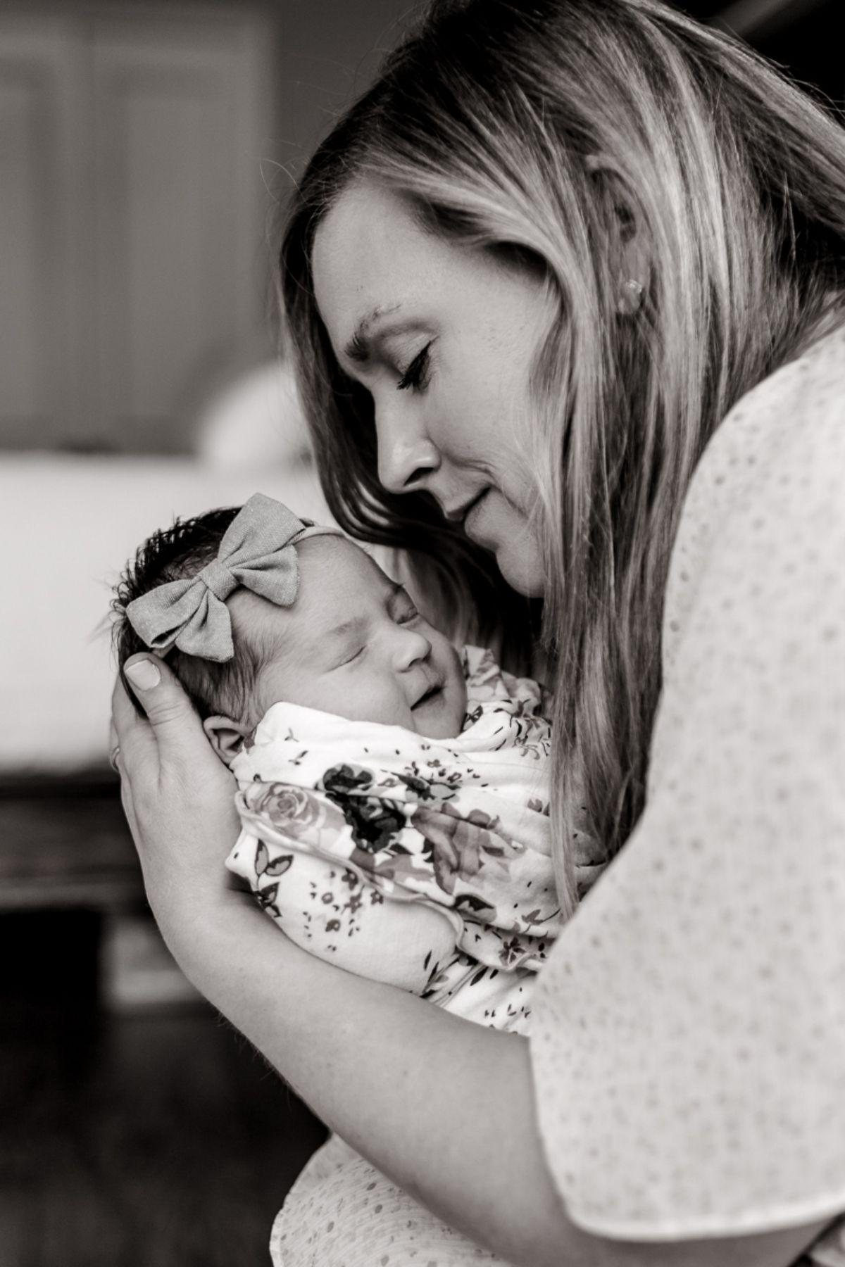 ennis-newborn-photographer-kaitlyn-bullard-charlotte-lifestyle-newborn-11.jpg