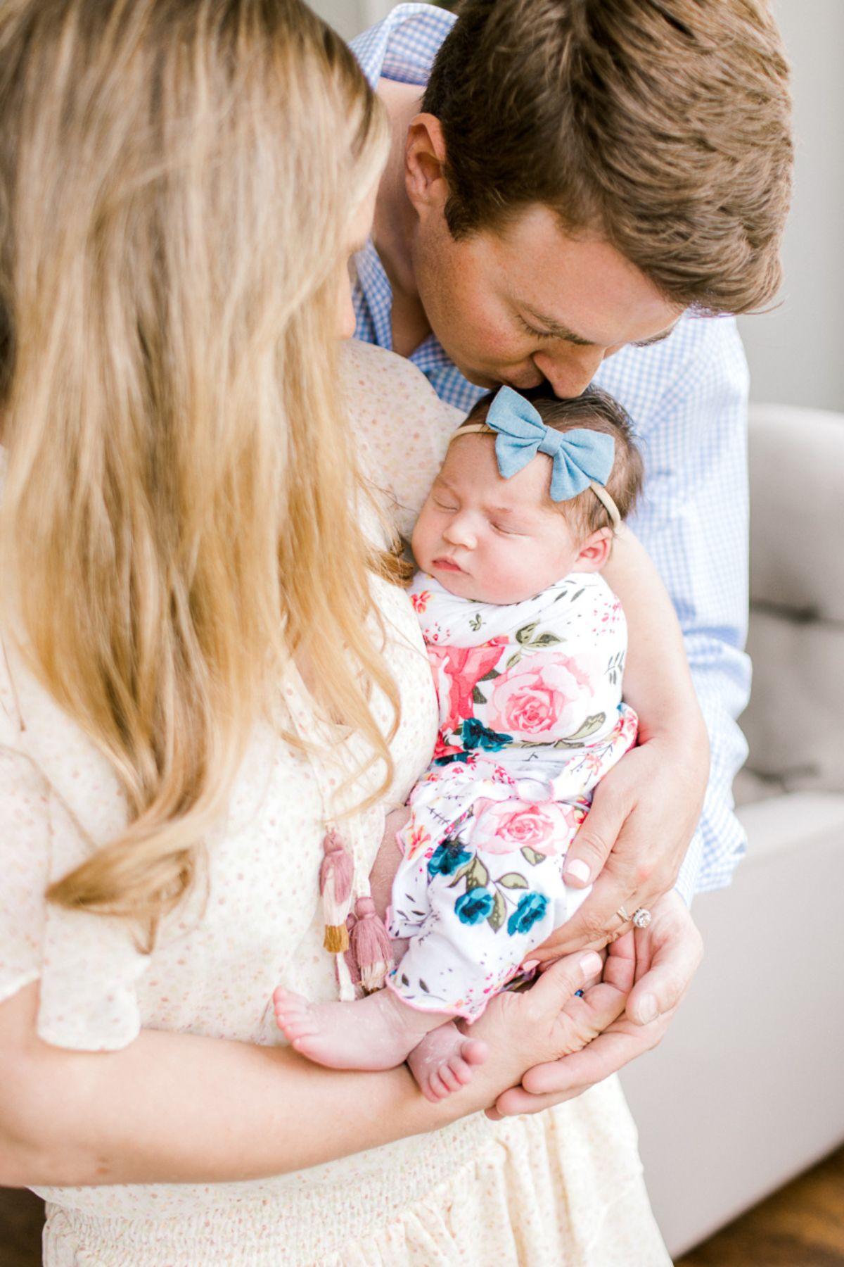 ennis-newborn-photographer-kaitlyn-bullard-charlotte-lifestyle-newborn-35.jpg