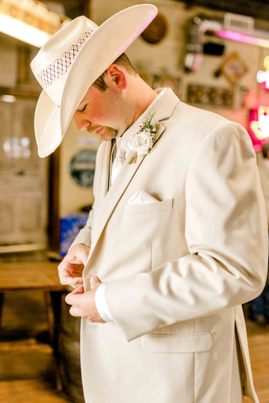 waco-wedding-photographer-westphalia-wedding-kaitlyn-bullard-08.jpg