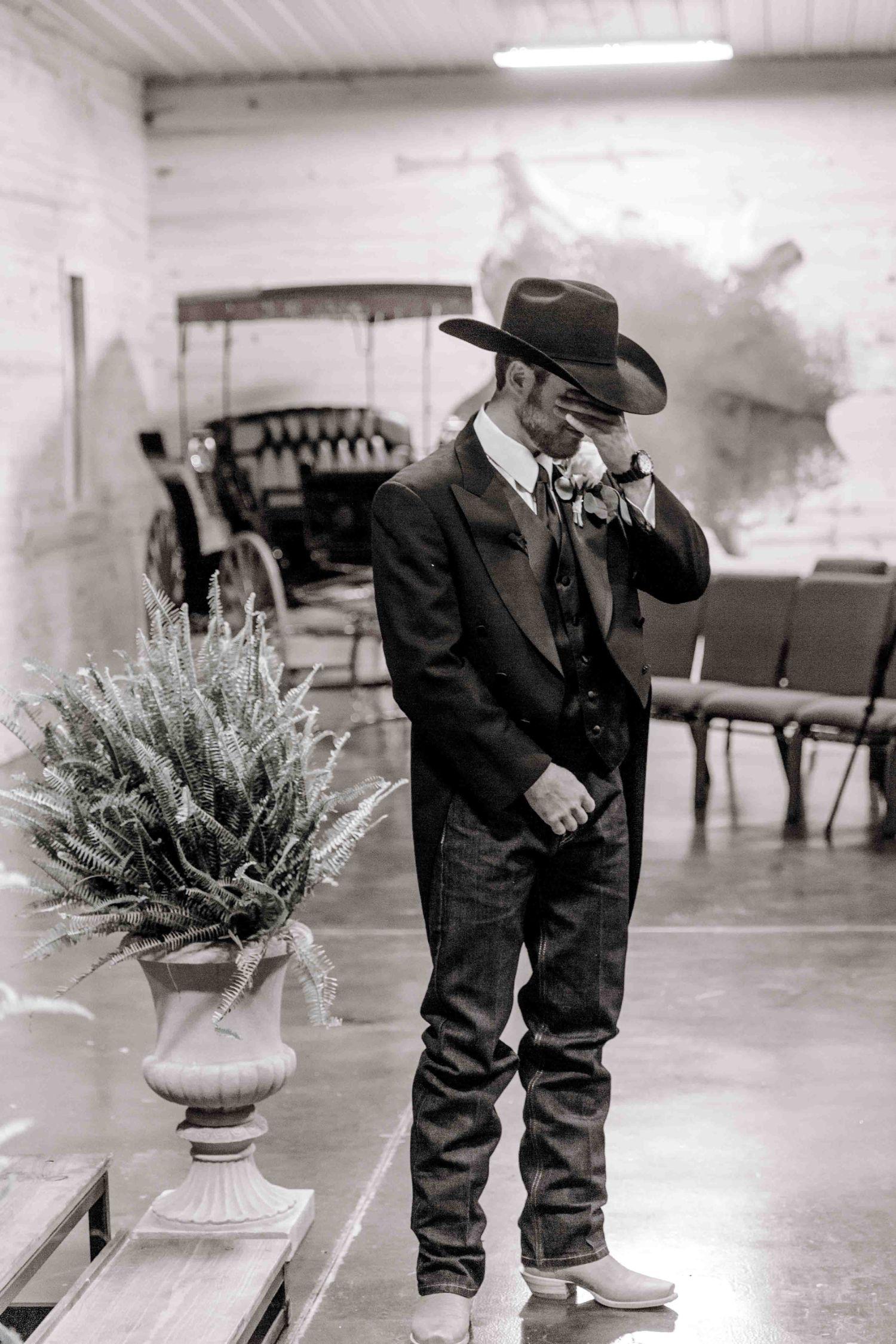 wichita-falls-wedding-katelyn-colten-vernon-texas-26.jpg