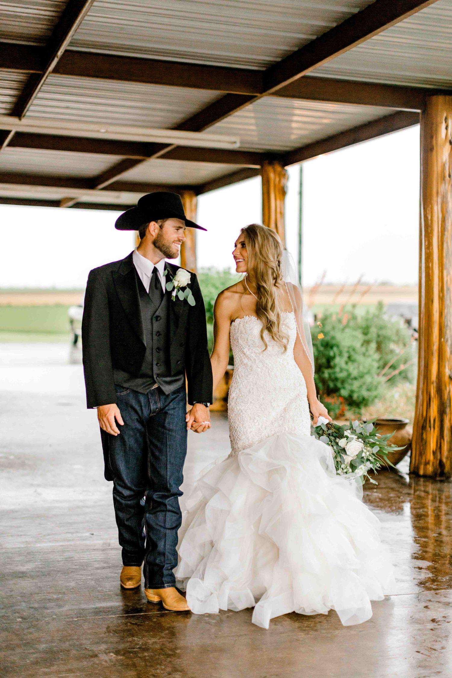 wichita-falls-wedding-katelyn-colten-vernon-texas-32.jpg