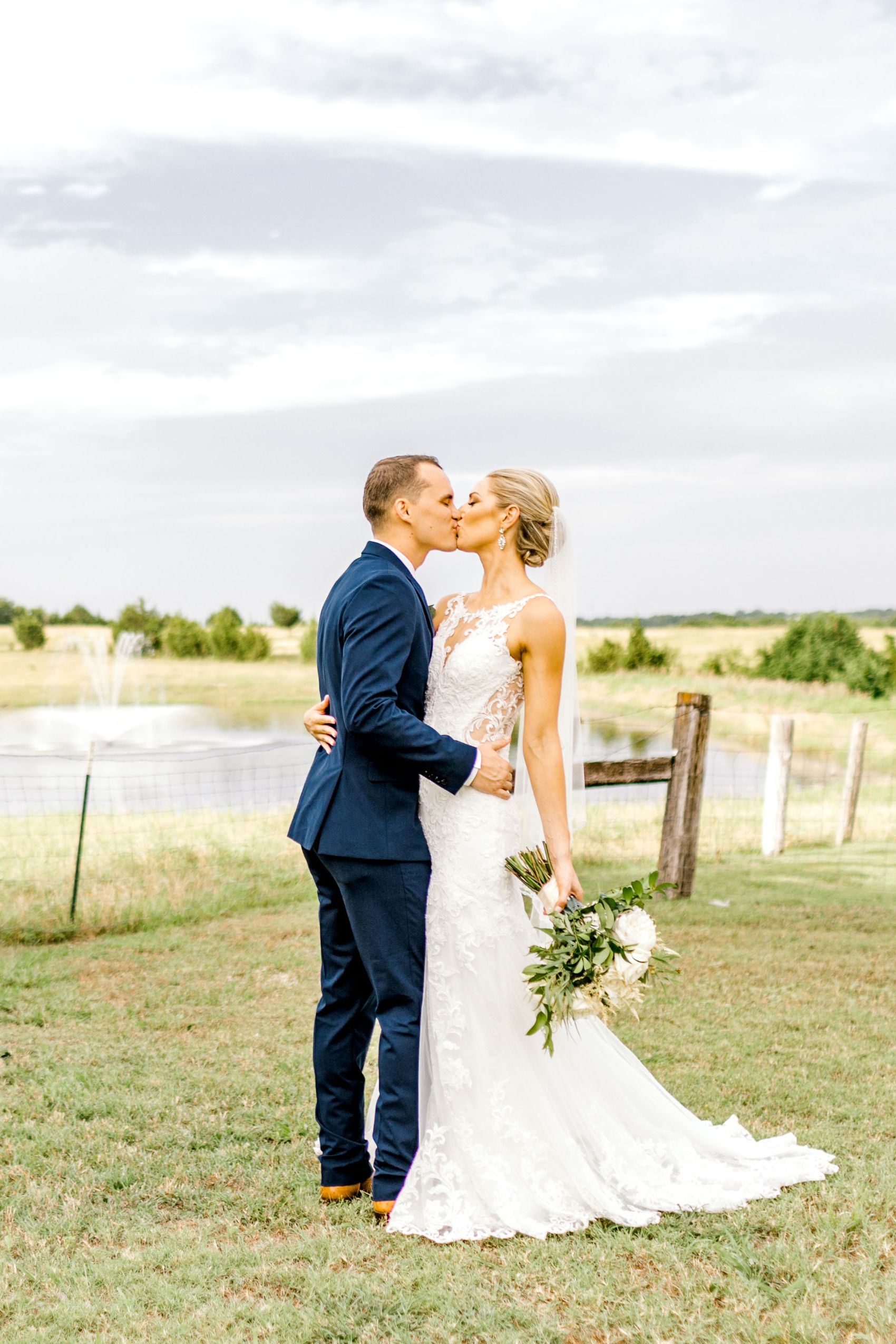 rustic-grace-estate-van-alstyne-wedding-06.22.19-37.jpg