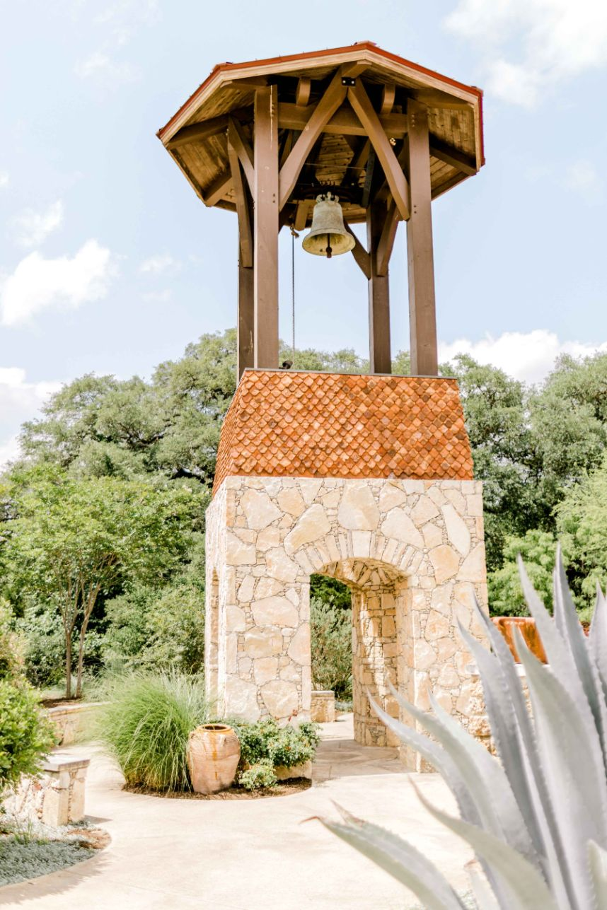 camp-lucy-wedding-olivia-seth-08.jpg