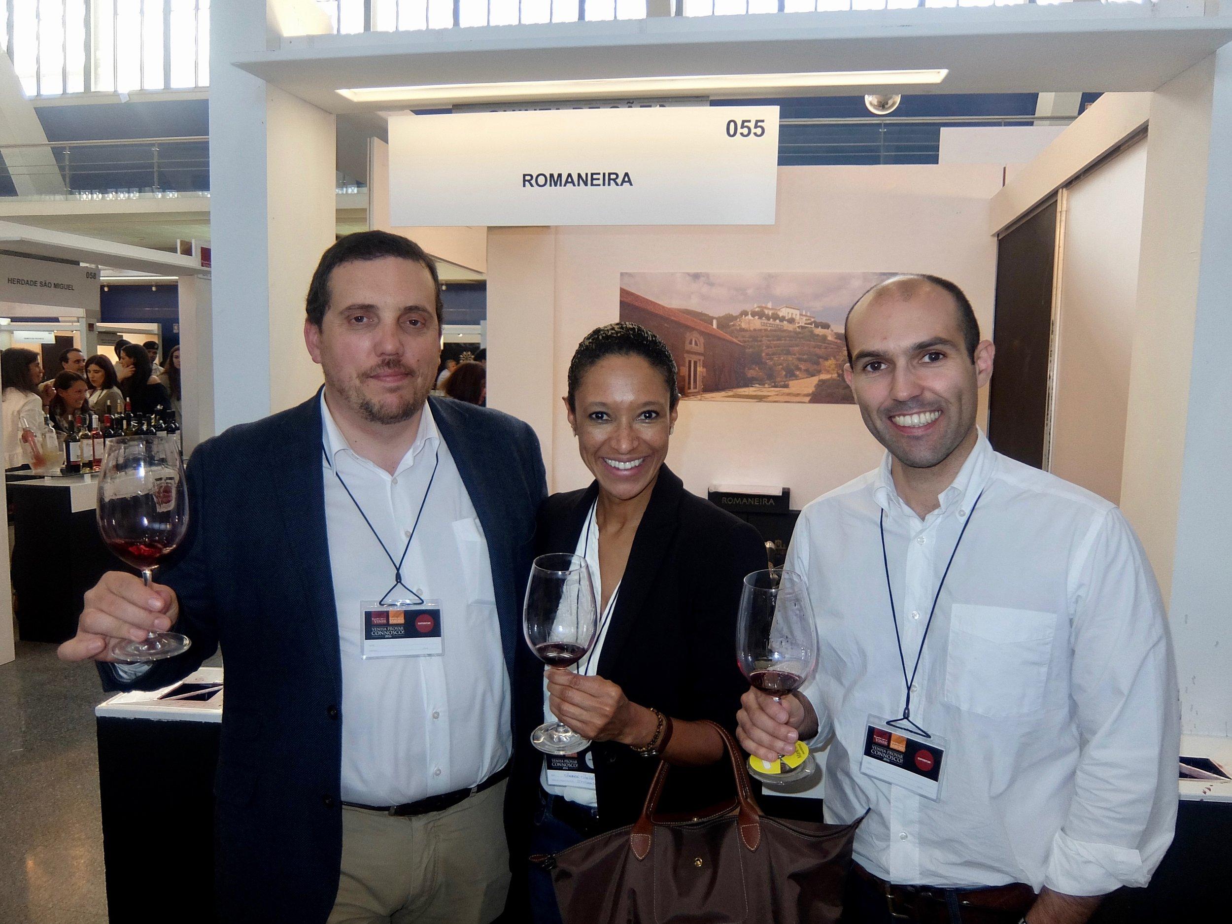 winemaker diogo pereirra and romaneira representative at encontro com o vinho e sabores, lisbon 2016