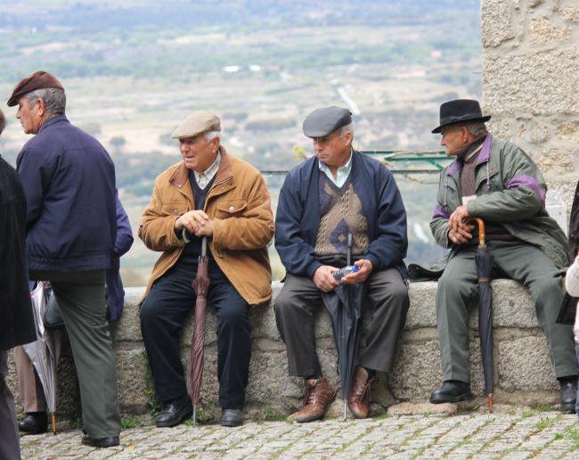 Portuguese people.jpg