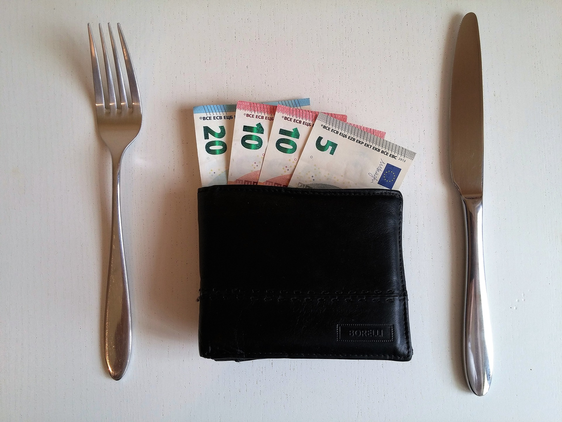 Great Guide to Tipping Around the World -