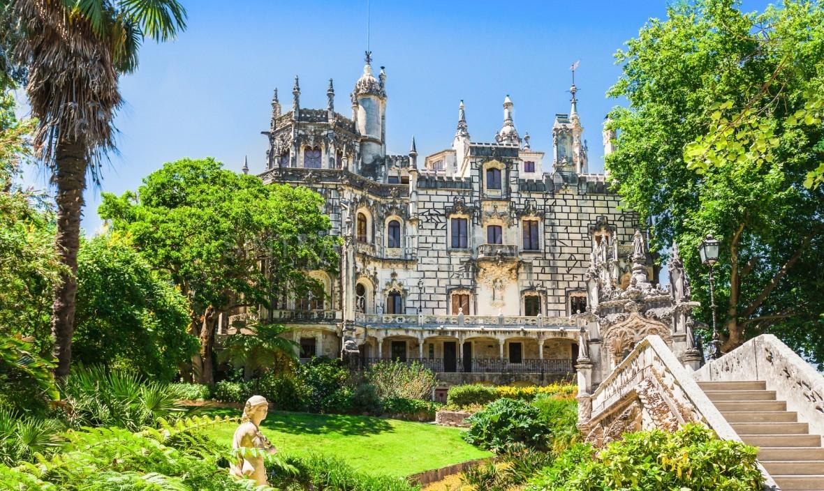 Quinta-da-Regaleira-Palace_Sintra_Portugal.jpg