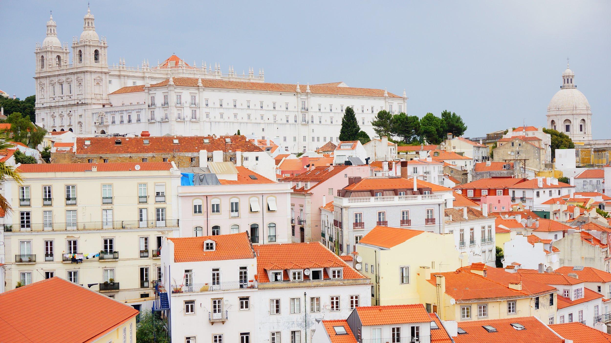 Lisbon_Alfama_Light_High Res.jpg