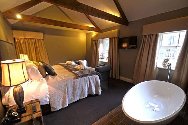 New Moor Tower Room, Northumberland Arms, just across the river from the Studio.