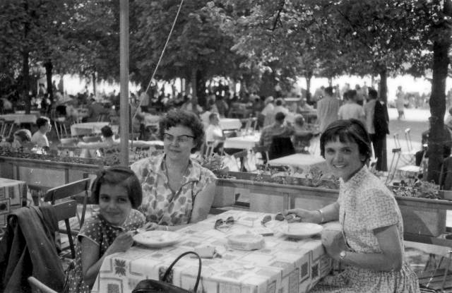 Susanne (on the right) on a trip to Berlin with my aunt (the little girl) 1959.