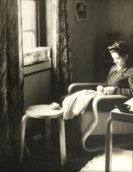 Susanne aged 19, learning to be a housewife in Leicester, 1939.