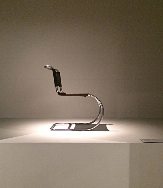 The iconic Cantilever Chair