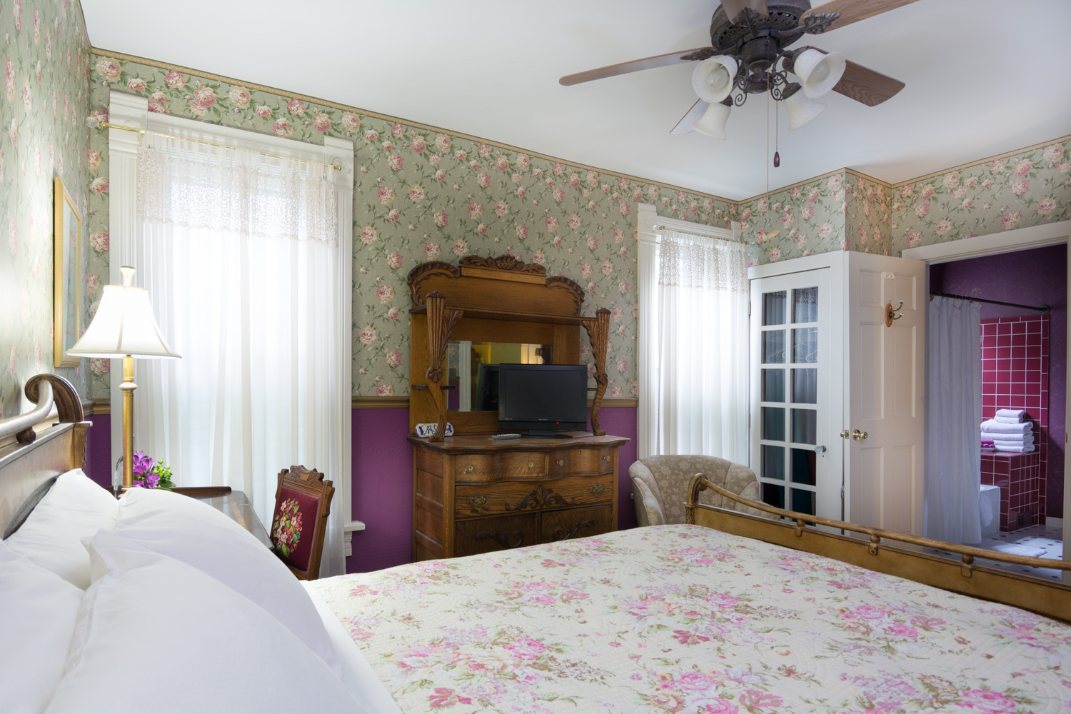 Harrison-House-Bed-and-Breakfast-Columbus-Ohio-Room-3-2