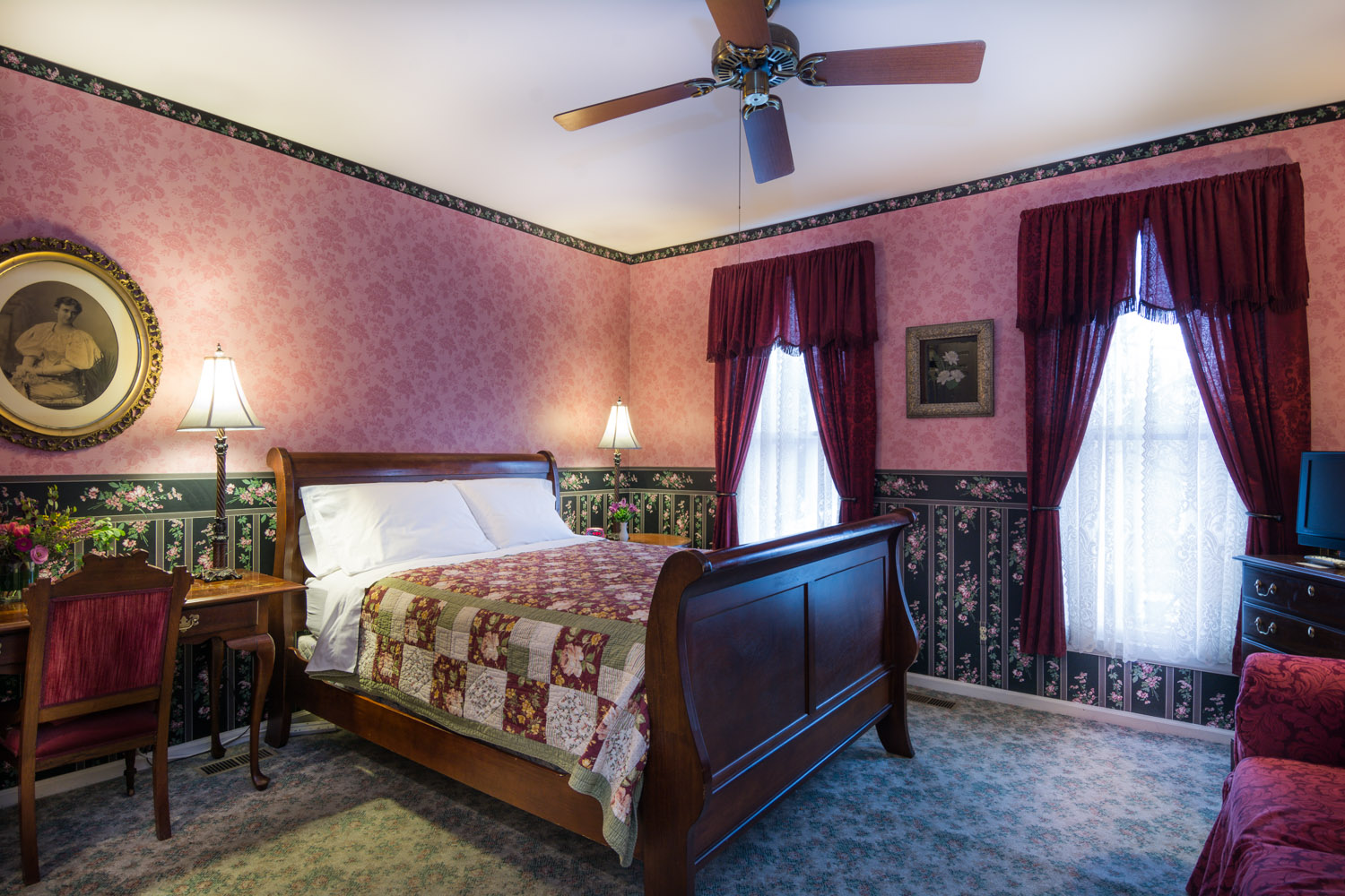 Harrison-House-Bed-and-Breakfast-Columbus-Ohio-Room-4-1